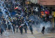 Protestatarii din Hong Kong au ameninţat că vor bloca căile rutiere spre aeroport; Circulaţia trenurilor spre aeroport a fost suspendată