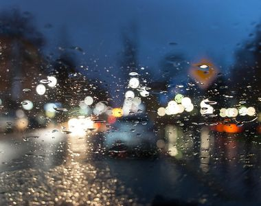 Vremea se răcește în întreaga țară. Sunt anunţate cantităţi însemnate de precipitaţii