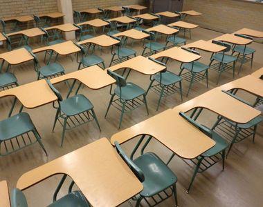 Prima zi de școală dă bătăi părinților angajați. Trei din zece angajatori le acordă...