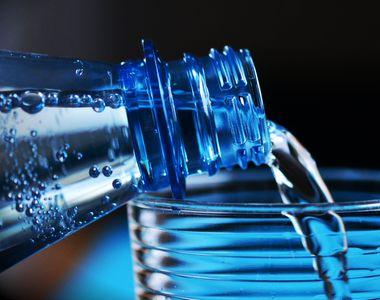 Care este diferența între apa plată și apa minerală?