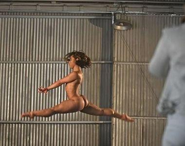 Incredibil! O gimnastă renumită a pozat nud pentru o revistă