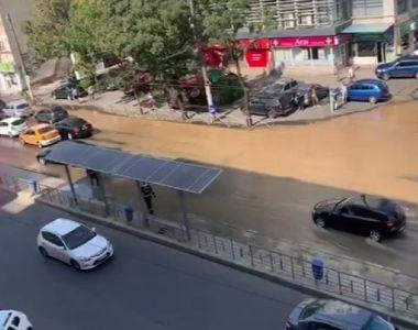 VIDEO | Avarie la o magistrală de apă în sectorul 2 din Bucureşti! Bulevardul a fost...