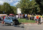 O femeie a murit şi două persoane au fost rănite, după ce două maşini s-au ciocnit în Capitală! Calea de rulare a tramvaielor pe sensul către Şoseaua Mihai Bravu este blocată