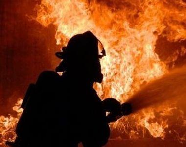 Incendiu într-un bloc din Negreşti, proprietarul suferind arsuri pe 70 la sută din...