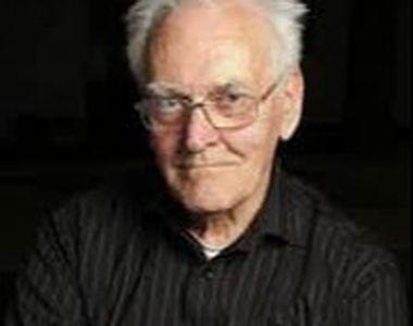 Dramaturgul britanic Peter Nichols a murit la vârsta de 92 de ani