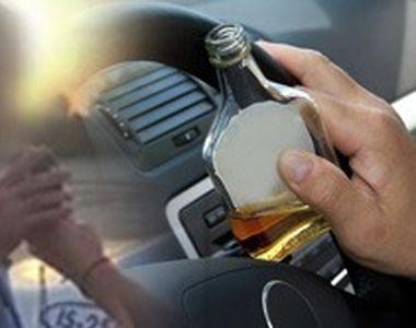 VIDEO | Un polițist beat s-a urcat la volanul mașinii de serviciu