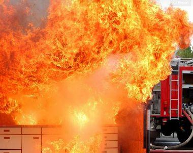 Români carbonizați într-un incendiu de proporții în Germania. Flăcările au mistuit totul