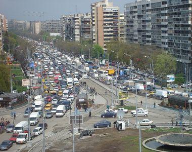 Străzi închise și rute ocolitoare azi în București, de Ziua Pompierilor