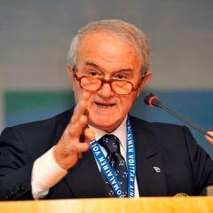 Doliu în gimnastică. Fostul preşedinte al Federaţiei Internaţionale de Gimnastică, italianul Bruno Grandi, a murit