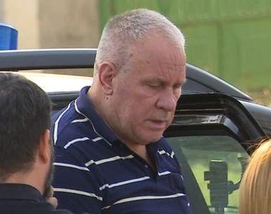 VIDEO | Reconstituirea crimelor din Caracal. Gheorghe Dincă, apărat de luptători de la...
