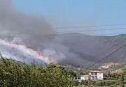 VIDEO | Incendii de proporții într-o insulă frecventată de români. Sute de turiști au fost evacuați