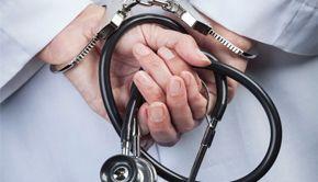 VIDEO | Medicul din scandalul anului profesează din nou. Reportaj cu camera ascunsă
