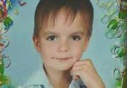 Anton, un băiețel în vârstă de 8 ani, s-a aruncat de la etaj pentru a scăpa de abuzurile părinților. Micuțul trecea printr-o adevărată dramă de ani de zile
