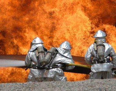 Incendiu la școala. 77 de elevi au fost evacuați