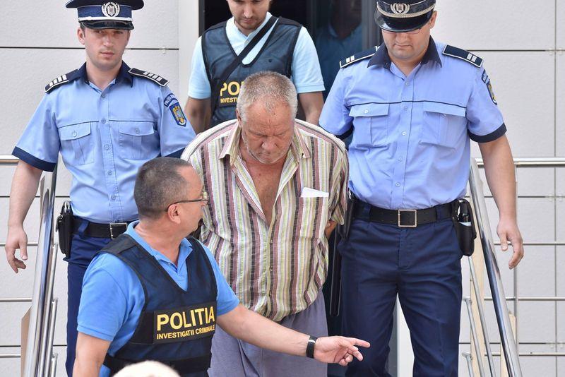 Știre de ultimă oră! Monstrul din Caracal scos din arestul Poliției