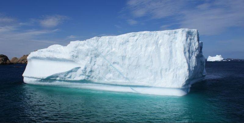 Fenomen care se întâmplă o data la 60 de ani. Un aisberg gigant s-a desprins dintr-o calotă