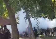 Directorul unui liceu din Timişoara, filmat când a pulverizat conţinutul unui extinctor către câţiva elevi care fumau