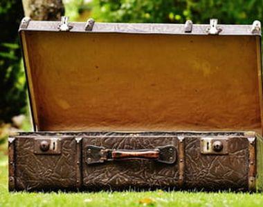 O femeie a născut și a ascuns bebelușul într-o valiză. Micuțul a fost găsit mort. Ce...
