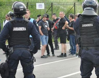 Jandarm de 41 de ani, anchetat după ce ar fi sedus un băiat de 15 ani