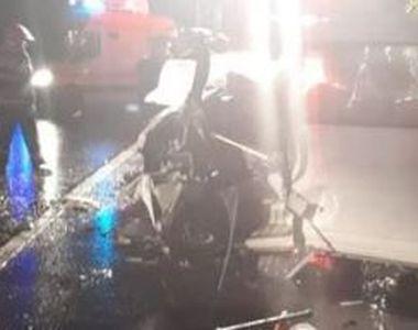 VIDEO | Accident teribil. Doi morți după ce un microbuz s-a izbit de un TIR