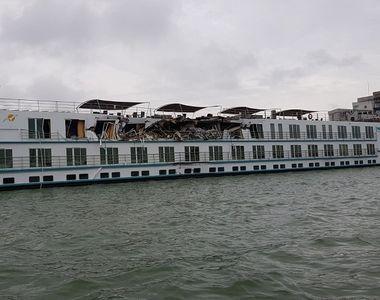 VIDEO | Accident naval pe Dunăre, după ce un cargo s-a ciocnit de o navă de croazieră....