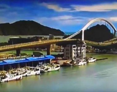 Un pod uriaş s-a prăbuşit când era traversat de un camion. Mai mulţi morţi, zeci de răniţi