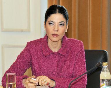 """Gestul ministrului Justiției, Ana Birchall, către Mircea Geoană: """"Asta-i contribuția..."""