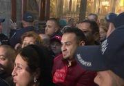 VIDEO | Pelerinajul la moaștele Sfintei Paraschiva a debutat cu haos! Imagini incredibile cu credincioșii