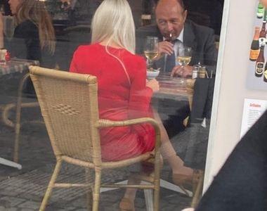 """Traian Băsescu, întâlnire cu o blondă misterioasă la Bruxelles. Este noua """"Elena Udrea""""?"""