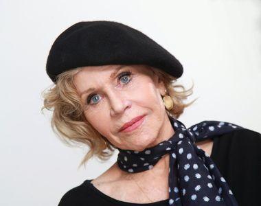 Celebra actriţă Jane Fonda, încătuşată şi arestată la Washington