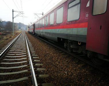 Cluj: Locomotiva unui tren de persoane a luat foc. 20 de pasageri s-au autoevacuat