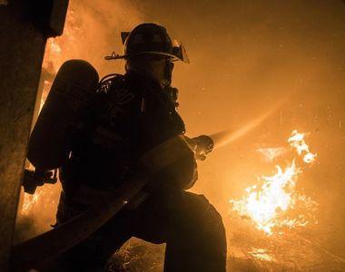 Alertă în centrul Timișoarei. 18 pompieri au intervenit de urgență pentru a stinge focul