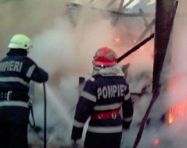 Incendiu puternic la un bloc din Sectorul 1 al Capitalei. Mai multe persoane au fost...
