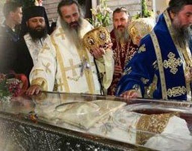 """Cuvioasa Paraschiva nu ar fi așa """"sfântă"""": """"N-a fost sfântă, povestea ei..."""