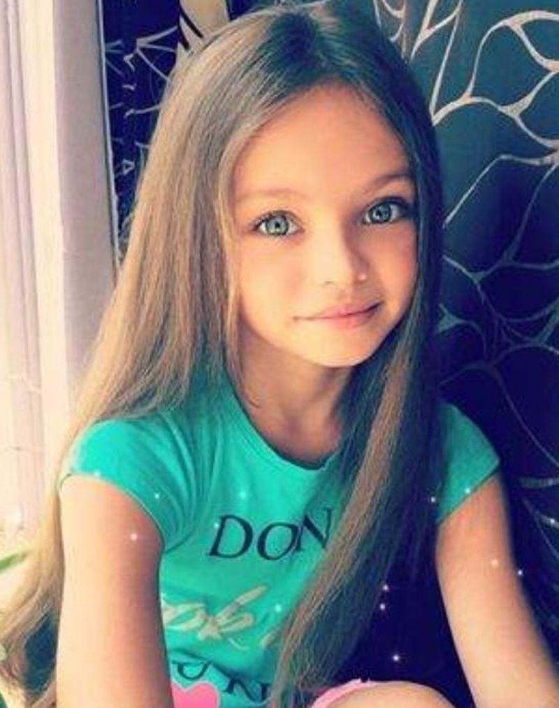 """Cum arată cea mai frumoasă fetiță din lume, considerată """"înger"""". La doar, șase ani, Alina are zeci de mii de fani"""