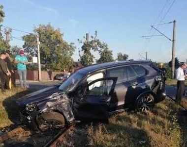Accident devastator în Ploiești. Un tren a lovit în plin o mașină