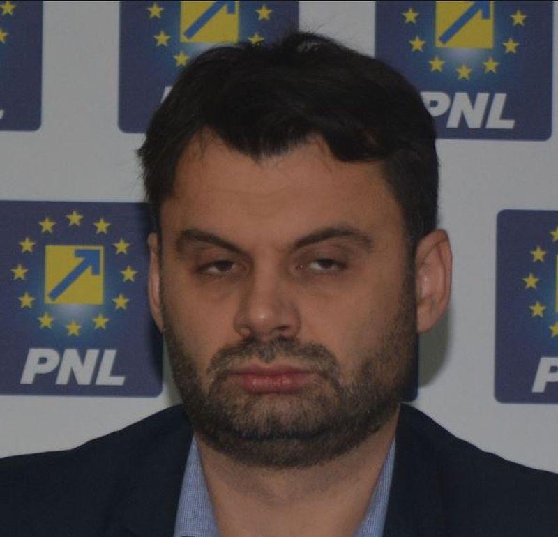 Tăieri drastice din salariu, vezi care sunt românii care rămân fără un sfert din bani