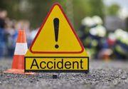 O femeie s-a răsturnat cu mașina după ce s-a urcat beată la volan. Trei copii aflați în autoturism au ajuns la spital