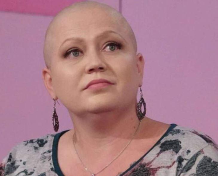 """Mamă a șase copii diagnosticată cu cancer. """"Mami are cancer!""""-replicile dureroase ale fiilor"""