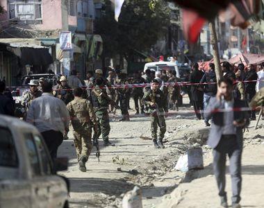 Atac terorist în Afganistan. Cel puțin 62 de oameni au murit după ce o bombă a explodat...