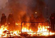 DEZASTRU NAȚIONAL! Proteste extrem de VIOLENTE! 207 agenţi răniţi, mai mult de 120 de persoane reţinute!