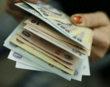 VIDEO | Salariile mici îi pun în pericol pe români! Mii de oameni sunt nevoiţi să facă...