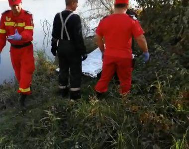 Bărbatul căutat în râul Olt după ce ar fi sărit din TIR-ul care a luat foc pe DN 1, în...