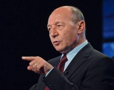 Traian Băsescu, critici dure la adresa pompierilor care au intervenit la incendiul de...