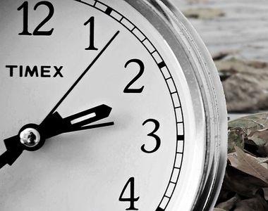 România trece la ora de iarnă. Ceasurile se dau înapoi cu o oră în noaptea de sâmbătă...