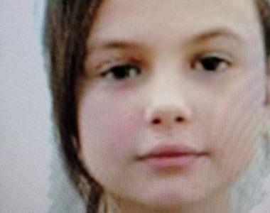 O fetiță din Piatra Neamț și-a așteptat părinții plecați la muncă în Anglia, toată...