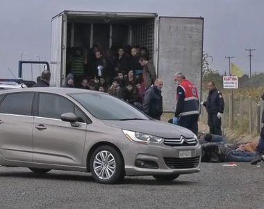 41 de migranţi, descoperiţi în viaţă într-un camion frigorific în nordul Greciei