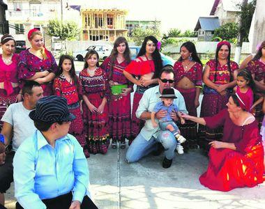 Discriminare la o școală din Iași: elevii romi ies în pauză la o altă oră față de...