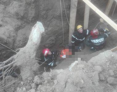 Muncitor prins sub un mal de pământ în Teleorman; el a fost scos, fiind în stop...