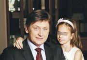 Fiica lui Crin Antonescu a devenit o adolescentă sexy! Irina s-a mutat la Bruxelles, acolo unde mama sa vitregă, Adina Vălean, a fost desemnată comisar european din partea României! EXCLUSIV